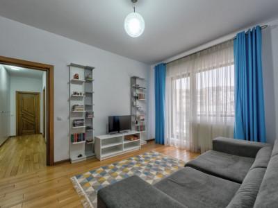 Apartament luminos, mobilat si utilat, bloc nou, loc de parcare!