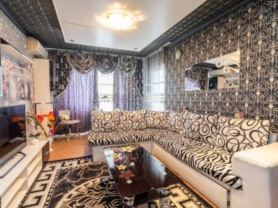 De vanzare - Apartament 4 camere - Crangasi