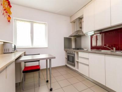 Apartament 2 camere transformat in 3- Straulesti Petrom.