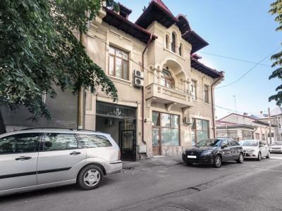 Vila interbelica reconditionata Mosilor Obor Birouri Comercial Mixt