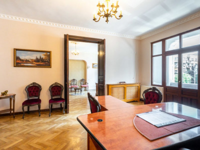 Vanzare Apartament  5 Camere - Lascar Catargiu