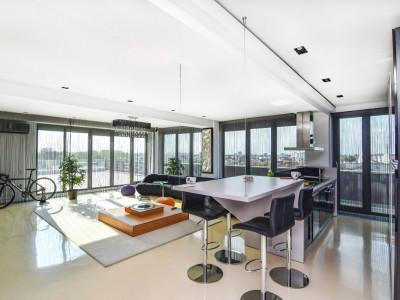 Penthouse de Lux - zona Primo / Compozitori.