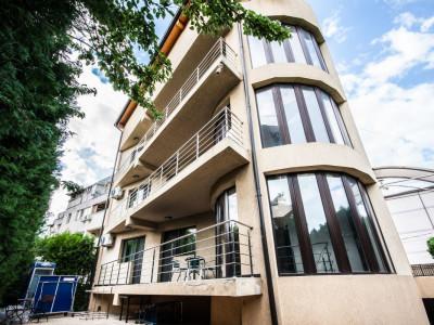 Apartament 4 camere in Berceni, decomandat, 122 mpu, garaj subteran si boxa