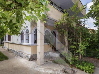 Apartament in vila, teren proprietate exclusiva 420 mp (Comision ZERO)