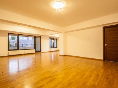 Inchiriere apartament 4 camere Kiseleff Averescu Str Stolnicului