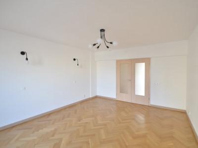 Apartament 4 camere | Ultrafinisat | Pretabil rezidenta-office | Piata Victoriei