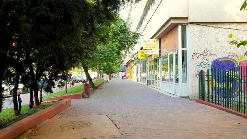 Metrou, parc, centre comerciale... Si verdeata cat cuprinde...