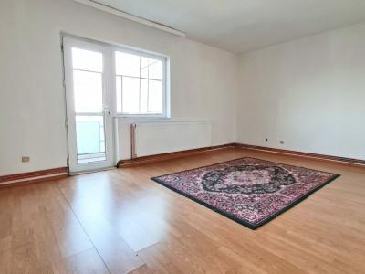 Un singur apartament cu 3 privelisti pe Str Nicolae Arhip nr 10